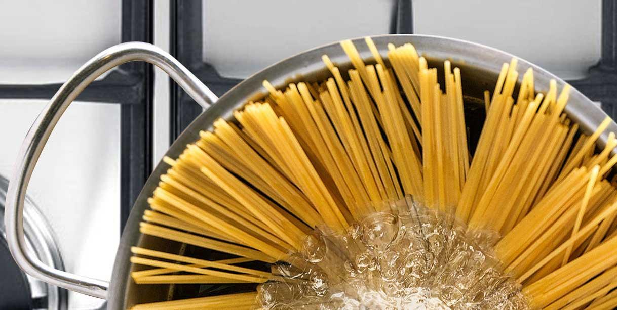 Спагеті з креветками у вершковому соусі, приготування