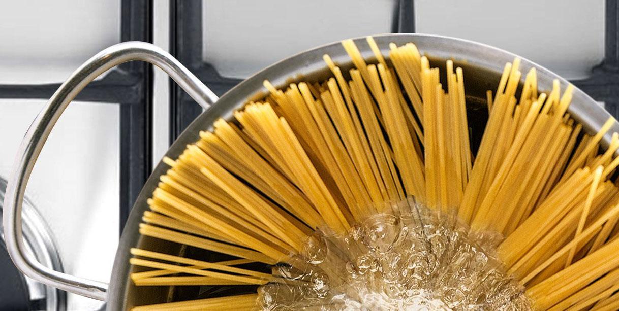 Спагеті ал помодоро і базиліко, приготування