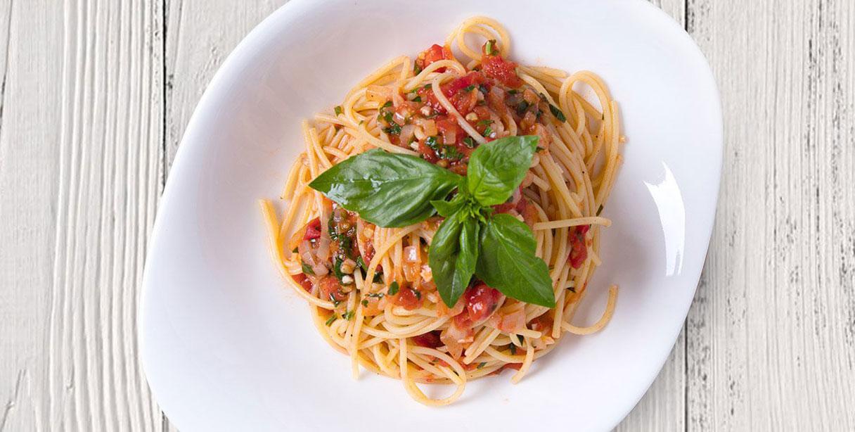 Спагеті ал помодоро і базиліко